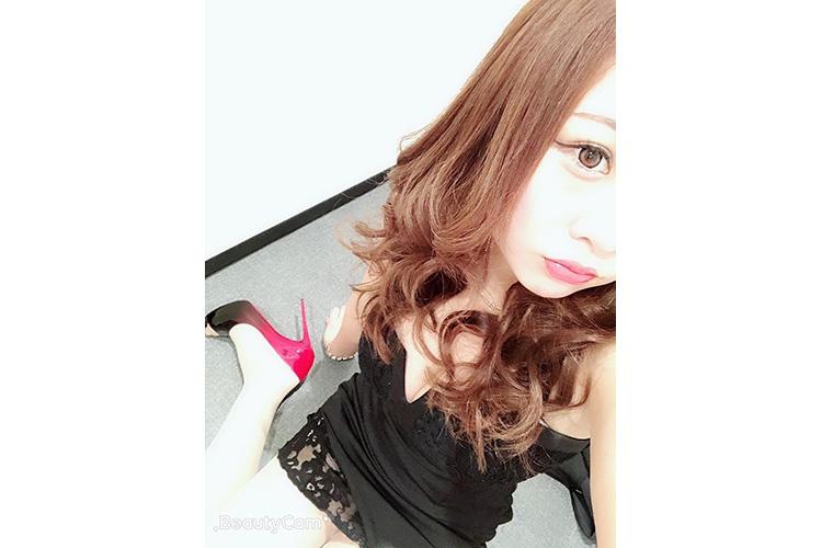 レースがかわいいスタイリッシュな黒ドレス@seri_aoiさん