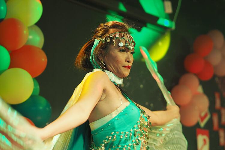 ショータイムの踊り子