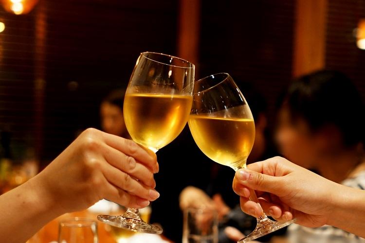キャバクラでのお酒の作り方とは?美しい所作を身につけよう